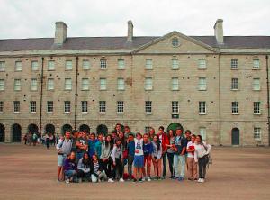 Visita a Collin Barracks Museum desdxe Tiernan's